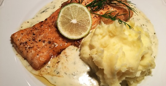 Lachsfilet in Dillcreme